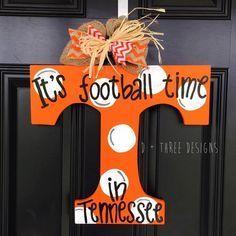UT Vols Orange & White Polka Dots Tennessee Vols Football Wooden Door Hanger // Go Big Orange Door Decor // University of Tennessee Wreath