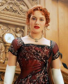 Titanic Kate Winslet as Rose DeWitt Bukater design: Deborah Lynn Scott Titanic Kate Winslet, Titanic Costume, Titanic Dress, Titanic Movie, Titanic Ship, Hollywood Actresses, Indian Actresses, Kate Winslate, Titanic Photos