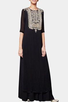 Shop Anita Dongre - Black gota embroidered kurta & sharara Latest Collection Available at Aza Fashions Pakistani Dresses, Indian Dresses, Indian Outfits, Anarkali Dress, Indian Fashion Designers, Indian Designer Wear, Lover Dress, Embroidery Fashion, Salwar Kameez