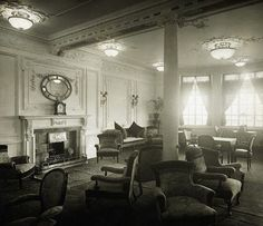 Titanic's reading & writing room