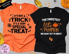 Couples Halloween Pregnancy Announcement Shirts, Funny Halloween Baby Reveal, Fall Baby Reveal Shirt, Pregnant Shirt, Halloween Graphic Tees Pregnant Halloween, Couple Halloween, Funny Halloween, Baby Halloween, Halloween Pregnancy Announcement, Fall Baby, Pregnancy Shirts, Family Shirts, Cute Shirts