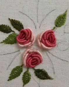 Getting to Know Brazilian Embroidery - Embroidery Patterns - rosas - Bullion Embroidery, Brazilian Embroidery Stitches, Embroidery Stitches Tutorial, Embroidery Flowers Pattern, Silk Ribbon Embroidery, Crewel Embroidery, Hand Embroidery Designs, Embroidery Tattoo, Mexican Embroidery