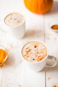 Healthy Pumpkin Spice Latte Healthy Pumpkin Spice Latte without all the carbs calories cream or inflated price tag. Homemade Pumpkin Spice Latte, Starbucks Pumpkin Spice, Pumpkin Spiced Latte Recipe, Pumpkin Pie Spice, Pumpkin Puree, Pie Spice Recipe, Vanilla Protein Powder, Raw Desserts, Healthy Pumpkin