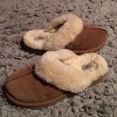 Authentic Women's UGG Slip On - Coquette Super cute authentic UGG slip Ons. Only worn a couple of times. Chestnut colored with cream colored sheepskin on the rim and inside. Size 9 but I am an 8 and they fit me. UGG Shoes Flats & Loafers