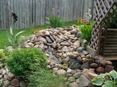 Landscaping with rocks - is as one of the most popular ideas many people choose and you can choose as well then applied in your own front yard or backyard area Landscaping With Large Rocks, Waterfall Landscaping, Home Landscaping, Front Yard Landscaping, Landscaping Rocks, Rock Garden Design, Professional Landscaping, Beautiful Rocks, Outdoor Gardens