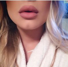 lips – My hair and beauty Flawless Makeup, Gorgeous Makeup, Love Makeup, Skin Makeup, Makeup Tips, Beauty Makeup, Makeup Looks, Hair Beauty, Makeup Eyebrows