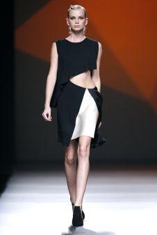 Amaya Arzuaga _ Fashion Week 2013