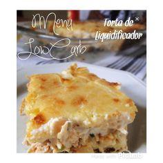 Torta de Liquidificador LowCarb  Receita  2 ovos  1/3 xícara de água  3 colheres de sopa de azeite  sal a gosto  1/4 xic amêndoas trituradas  1/4 xic de psyllium  1/4 xíc de farinha de linhaça dourada  1/4 xic de farinha de grão de bico  1/4 xic de queijo parmesão ralado  1/2 colher de sopa de fermento em pó  1 peito de Frango desfiado  1 tomate picado  1 queijo em cubos Ou queijo Catupiry #catupirymlc - colocar no meio e queijo mussarela em cima  de Preparo  Bater no mixer ou…