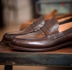 """""""Rilassaa""""--> brown penny #loafers #velascamilano #shoes #menswear #mensshoes #mensstyle #mensfashion #gentlemen #madeinitaly"""