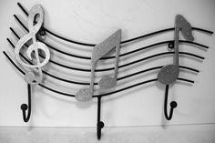 Wall hanger musical notes