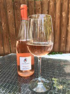 Orange wine = better than rose Orange Wine, White Wine, Wine Chiller, Liquid Diet, Taste Buds, Alcoholic Drinks, Rose, Glass, Alcoholic Beverages