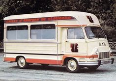 que2 Vans Vintage, Matra, Weird Cars, Vw Bus, Camper Van, Food Truck, Cars And Motorcycles, Recreational Vehicles, 4x4