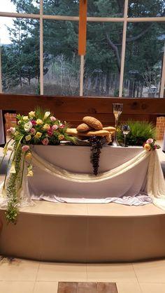Altar Decorations, Vases Decor, Holy Thursday, Eucharist, Holy Week, Communion, Flower Arrangements, Table Settings, Outdoor Decor