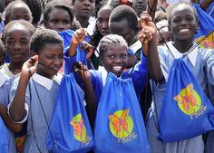 young girls with Huru bags