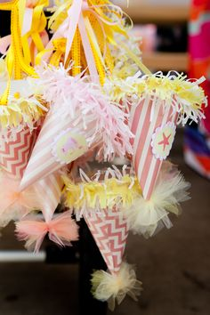 Love these party hats!