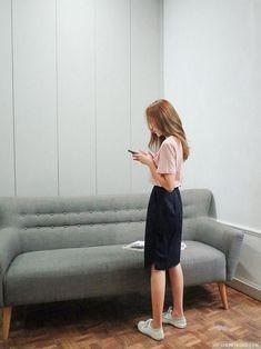 Amazing Latest Korean Women's fashion clothing Hacks 6040204418 Source by murzagiibundin clothes fashion women Korean Fashion Trends, Korean Street Fashion, Korea Fashion, Asian Fashion, Look Fashion, Korean Airport Fashion Women, Modest Outfits, Modest Fashion, Skirt Fashion