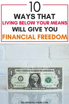 10 ways that living below your means will give you financial freedom Retirement Money, Saving For Retirement, Money Saving Challenge, Money Saving Tips, Minimalist Living Tips, Living Below Your Means, Household Budget, Financial Stress, Earn Extra Cash