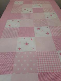 Päiväpeitto jatkettavaan lastensänkyyn Quilts, Blanket, Home, Eggs, Quilt Sets, Ad Home, Blankets, Homes, Log Cabin Quilts