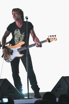 Keith Urban Photos - 2015 CMT Music Awards - Show - Zimbio