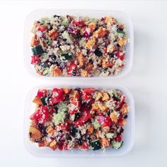 I'm thinking about doing a lunchbox category under recipes to give you easy  and healthy ideas for lunchboxes. Last semester I was really lazy preparing  food for school so I always ended up buying something in the school  cafeteria that was overprized and I didn't even like. This semester I'm  going to try and change that!  So what do you say? Is that something you would be interested in? I'm in my  first week of school and it has been really easy to make something the  night before to take…