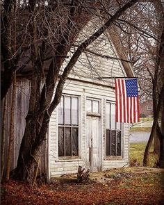 The America Spirit lives here. fly a flag by the front door. I Love America, God Bless America, American Spirit, American Flag, American Pride, American Barn, A Lovely Journey, Patriotic Pictures, Happy Birthday America
