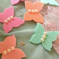 Nurcan Kacira Foam Crafts, Diy And Crafts, Crafts For Kids, Arts And Crafts, Paper Crafts, Felt Flowers, Fabric Flowers, Paper Flowers, Felt Pillow