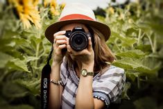 World Photography Day, History Of Photography, Photography Gifts, Photography For Beginners, Photography Business, Photography Basics, Way To Make Money, Make Money Online, Simple Present Tense
