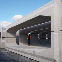 Supersized precast culvert allows safe passage for human and wildlife traffic. Underground Living, Underground Shelter, Underground Homes, Precast Concrete, Concrete Houses, Concrete Structure, Casa Bunker, Garage Workshop Plans, Casa Top