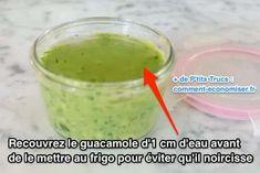 Mettre de l'eau pour éviter au guacamole de noircir