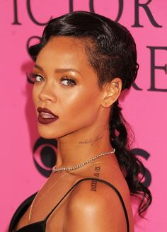 Rihanna - bronze eyes/deep lip