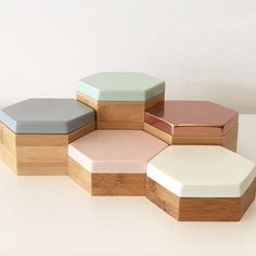 Hex Boxes in pastel mint, peach, grey, white and blush mirror rose gold If they were a bit taller they'd be perfect for keeping office supplies in. Make Up Tisch, Gold Office, Mint Office, White Office, Pastel Mint, Teen Girl Bedrooms, Desk Accessories, Colour Schemes, Jewellery Display