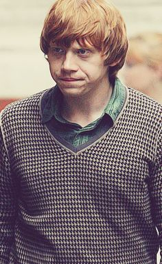 Ron being a hottie Harry Potter Draco Malfoy, Harry Potter Films, Harry Potter Spells, Ron And Hermione, Harry Potter Quotes, Harry Potter Love, Harry Potter Universal, Sabrina Claudio, Harry Potter Pictures