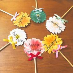 披露宴テーブルが、お花畑になる♡今流行りの『お花プロップス』が可愛すぎて今すぐ作りたい! | marry[マリー]