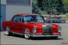 Mercedes Benz W111 Coupe 1968 #Vehicle #Oldtimer #red #Beauty