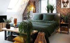 30 Small Bedroom Ideas Small in Budget Big in Style - Space designer Bedroom Green, Bedroom Decor, Bedroom Ideas, Cozy Nook, Extra Rooms, California Style, Master Bedroom Design, Cube Storage, Brick Wall