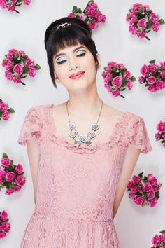 Audrey inspire ♥    www.quiquiriquiloja.com  #fashion #Audrey #quiquiriqui #AudreyHepburn #rose #flowers #cute #romantic