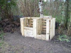 Freight Pallet compost bin.