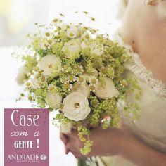 As flores mais lindas para um buquê inesquecível. �� A @andradefloral tá louco pra ir ao altar com você levando as mais delicadas flores e arranjos personalizados para o seu evento. No Guia de Fornecedores tem mais informações sobre a @andradefloral. Acesse: www.casamentosecasas.com.br  #casamentosecasas #buque #bouquet #andradefloral #arranjosflorais #flor #flores #casamento #decoracaodecasamento #fornecdorecc http://gelinshop.com/ipost/1515536927524614782/?code=BUIRM5RF3J-