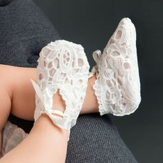 Girls Booties – Baby Beau and Belle Baby Girl Dresses Fancy, Fancy Gowns, Baby Girl Shoes, Baby Boots, Baby Dresses, Wedding Dresses, Lace Christening Gowns, Baby Girl Christening, Girl Baptism