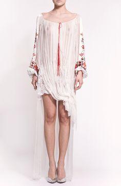 Modern interpretation of Romanian traditional blouse - ie