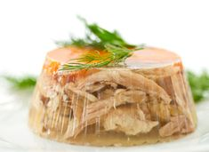 Aspic or jellied consommé. This one is made out of pork and poultry. Served whit shots of.) (dwie lornety i meduza ) Pork Recipes, Cooking Recipes, Healthy Recipes, Polish Recipes, Polish Food, Russian Recipes, No Cook Meals, Food Photo, Food Videos