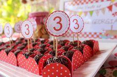 Brigadeiro com o número 3, idade da aniversariante!  012 by PraGenteMiúda, via Flickr