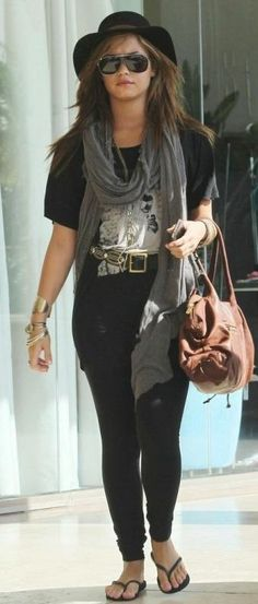 Who made Demi Lovato's black belt, black hat, sunglasses and flip flops that she wore in Los Angeles on September 22, 2010? Shoes – Havaiana  Sunglasses – Marc Jacobs  Belt – Calleen
