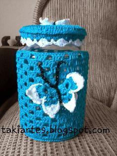 Essas são as capas para potes de vidro que fiz em crochê! É muito fácil de fazê-las e fica uma graça !  Ótima sugestão para presentear!!!   ...