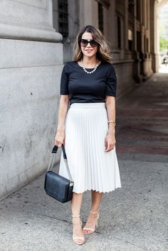 I've been wanting a skirt like this. Seeing this pic, I'm wondering now if it would slip up or be frumpy. Skirt is still cute, though.