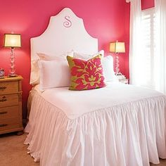 precious pink monogram headboard for a little girl.  This would be great in lavendar when I get the guest room I want.