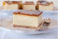 Sernik puszysty, lekki i w niczym nie przypominający ciężkich typowych serników. Sernik jest słodki z pysznym lukrem na spodzie z herbatników. Przepis jest bardzo prosty, natomiast wymaga długiego pieczenia w niskiej temperaturze. Polish Recipes, Cheesecakes, Vanilla Cake, Catering, Cooking Recipes, Baking, Food, Pastries Recipes, Kuchen