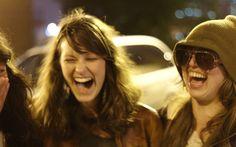 20 Hilarious Ice Breaker Jokes for Travelers