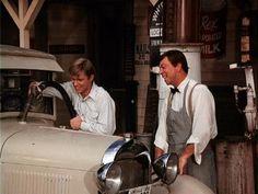 Classic Tv, Timeless Classic, Ralph Waite, The Waltons Tv Show, Walton Family, Richard Thomas, John Boy, Best Tv Series Ever, Old Country Stores