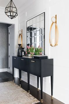 White and Black Foyer White and Black Foyer decor sources on Home Bunch Foyer Decor Ideas Black Bunch Decor Foyer Home sources White Whitean Lobby Design, Design Hotel, Foyer Furniture, Furniture Design, Black Hallway Furniture, Entryway Dresser, Luxury Furniture, Hallway Lamp, Wall Lamps